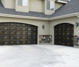 Do you know how to open your automatic garage door manually in the event of a power outage? Here's how.