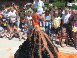 If your child has an upcoming science experiment, follow these instructions on how to make a baking soda volcano.
